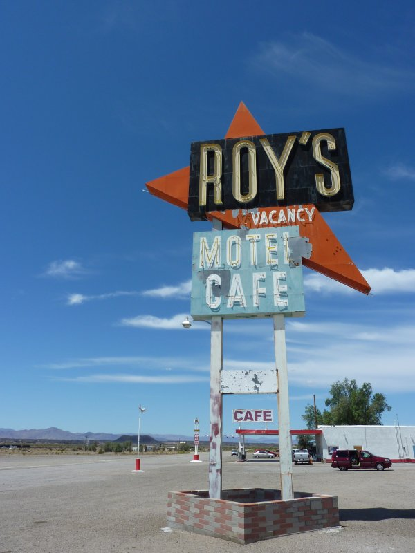Roy's Motel & Cafe, Route 66 at Amboy, California