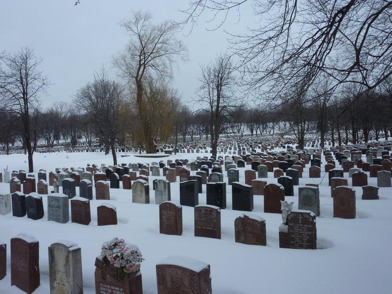 Côte-des-neiges Cemetery