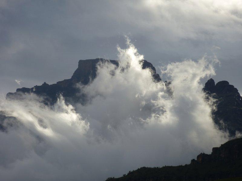 Drakensbergen Clouds