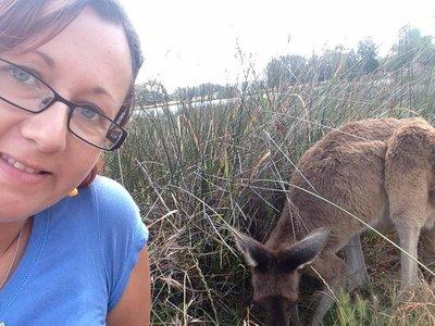 180_13-kangaroo_selfie2.jpg