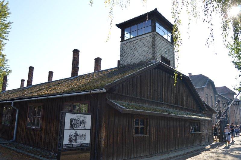 large_Auschwitz_I__2_.jpg