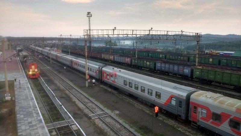 large_Train2__5_.jpg