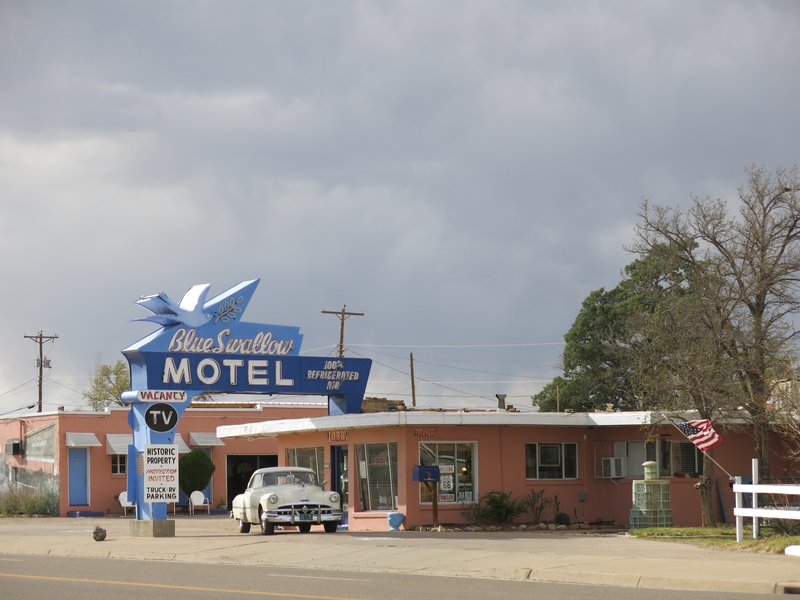 IMG_8810BlueSwallowMotel