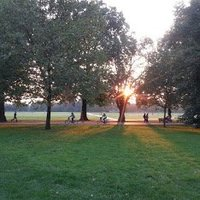 Hyde_Park_at_sunset.jpg