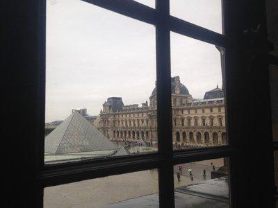 Louvre_Ext2.jpg