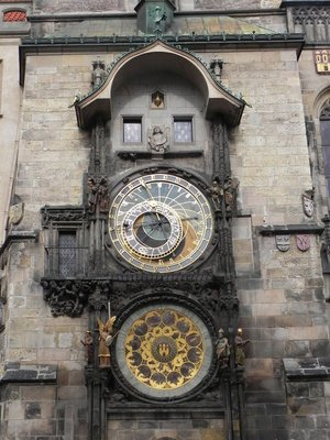 Old_Town_Square_Clock.jpg