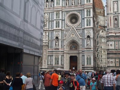 Can you spot us in the duomo's crowd