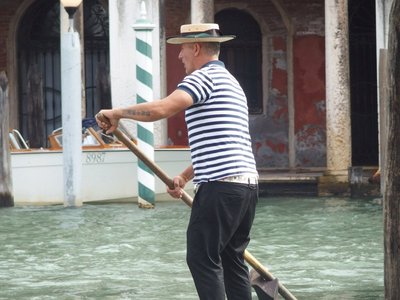 Our gondola man