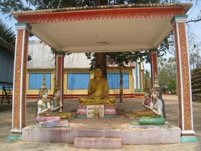 2015-03-07 Kampong Thom - Tao Temple 035