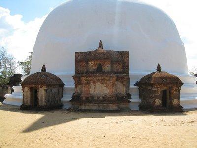2015-04-23 Polonnaruwa 038
