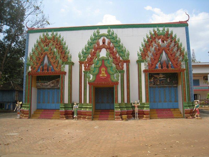 2015-03-07 Kampong Thom - Tao Temple 037