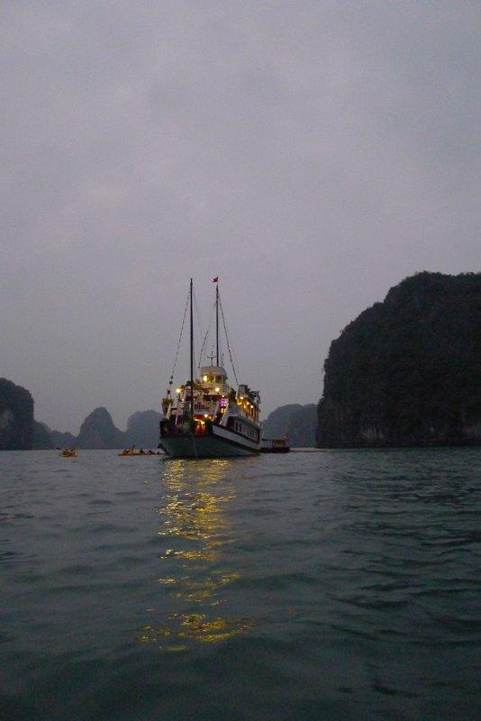 large_halong13.jpg