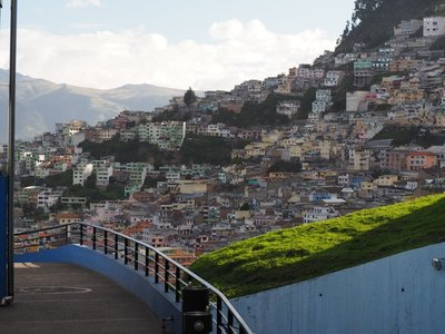 Quito_hillside_community.jpg