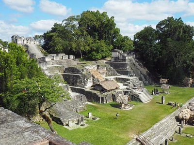 Tikal_1.jpg
