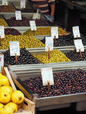 athens_cen..rket_olives.jpg