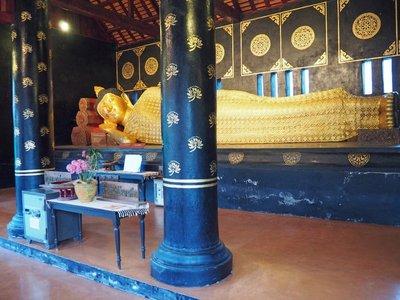 chiang_mai..ning_buddha.jpg