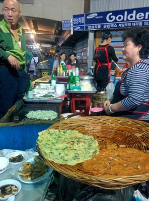 kwangjang_.._food_stall.jpg