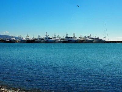 megayacht_harbor.jpg