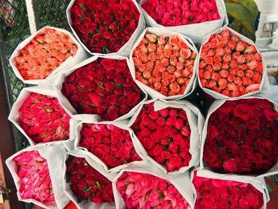 roses_chiang_mai_market.jpg