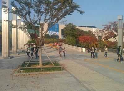 seoul_natl..um_entrance.jpg