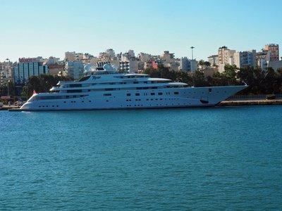 topaz_mega_yacht.jpg