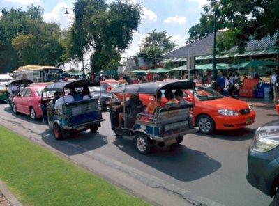 tuktuks.jpg