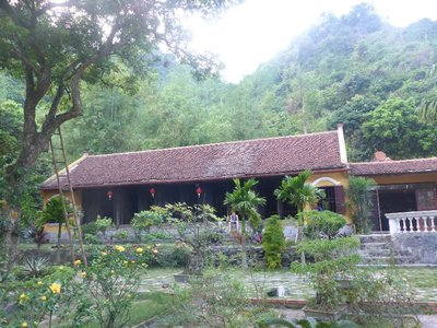 Ancient House Cat Ba homestay