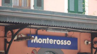 cinque_Terre_Monterossa.jpg