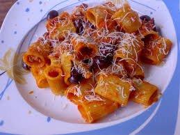 mezze_maniche_pasta.jpg