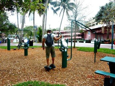 Ft_Laud_exercise_park_g.jpg