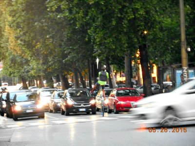 Milan_unicyclejuggler2.jpg