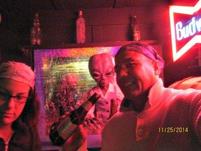 Roswell_alien_zone_bar_ag.jpg