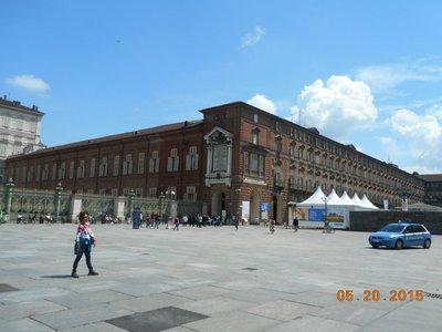 Torino_plaza_a.jpg