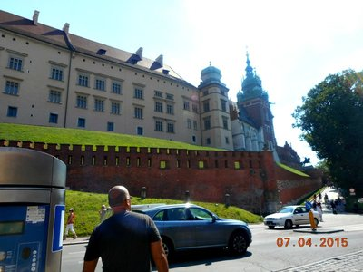 krakow_castle_g.jpg