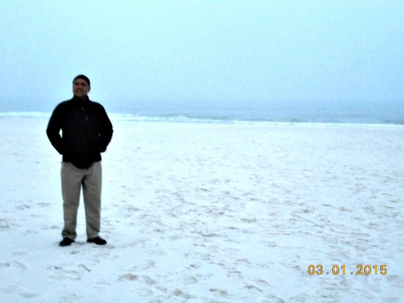 large_Penascola_orange_beach_g.jpg