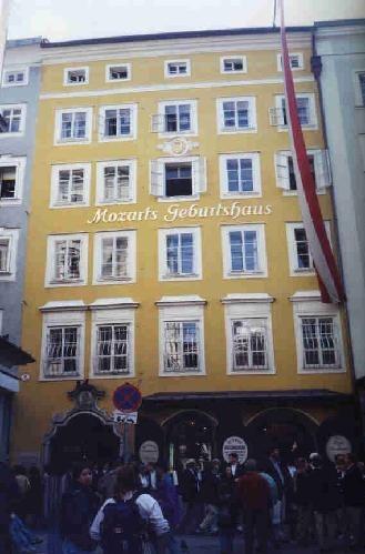 41846-Mozarts_Birthplace_Salzburg