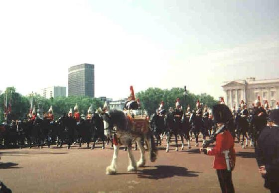 42576-Trooping_the_Colour_London