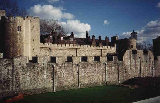 42607-Tower_of_London_London