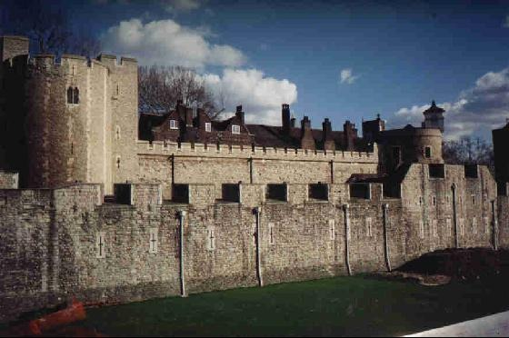 42616-Tower_of_London_London
