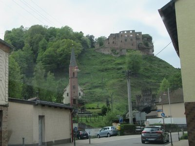 Church and Castle ruins at Frankenstein
