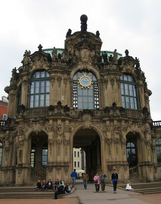 Clock and glockenspiel at Zwinger Palace