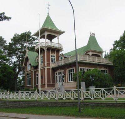 Grand Old Lady Villa