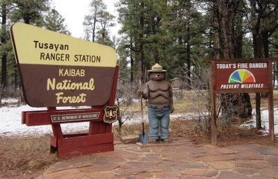 IMG_2790 South gate of Grand Canyon NP Smokey Bear