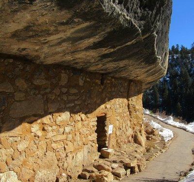 Building under overhang