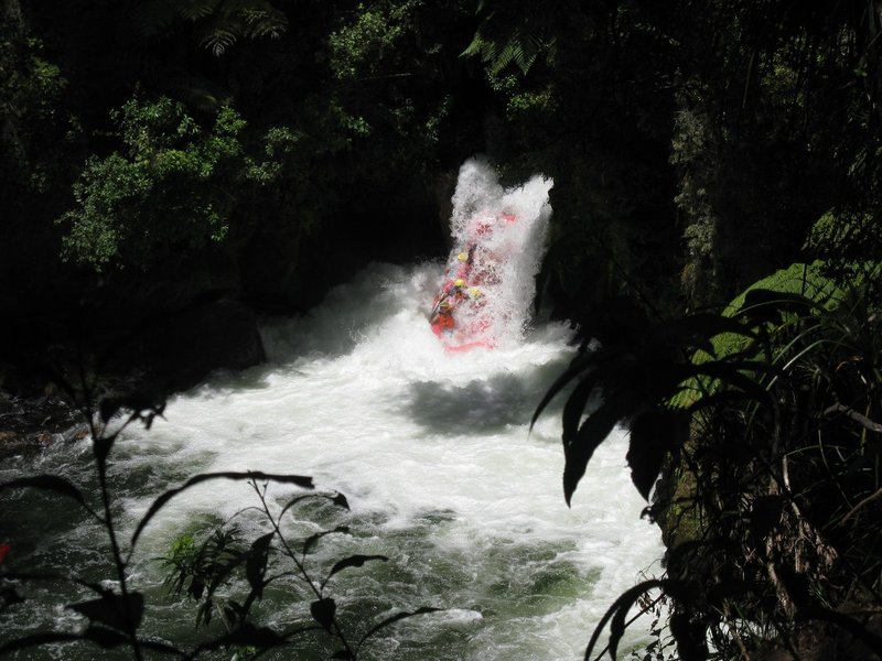 Raft coming down Okere Falls