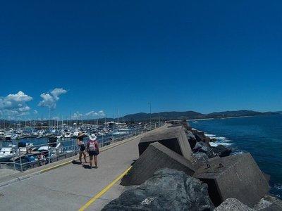 Walkway back to the harbor