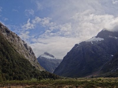 Road towards Milford Sound