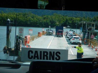 Daintree_ferry.jpg