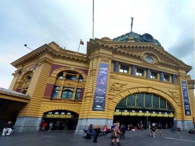 Flinders_Station_Front.jpg
