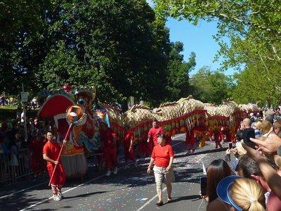 Parade_dragon_street.jpg